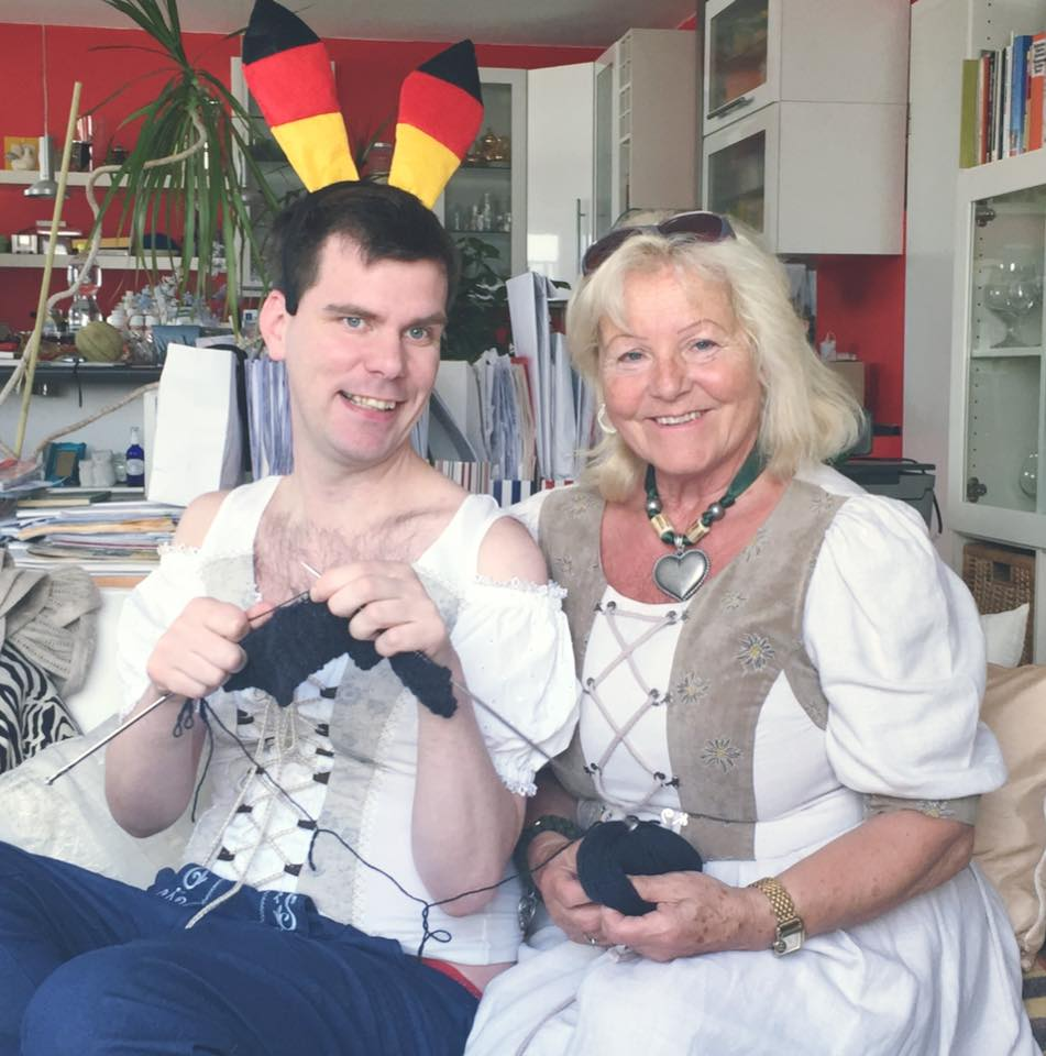 Knitting with a Bavarian Blonde
