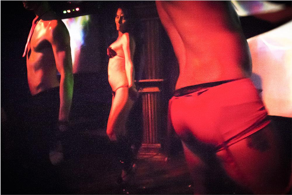 El silencio del cuerpo 15 - Chavely y los dioses del Olimpo 2012.jpg