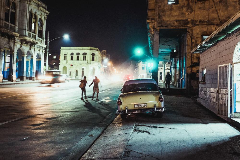 Alejandro_Perez_Cuba-Documentary Streets_Infanta_night.jpg