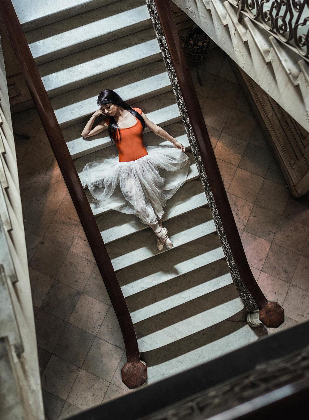 alejopik_Portraits_Fashion-Ballet_Ballerina_Stairs.jpg