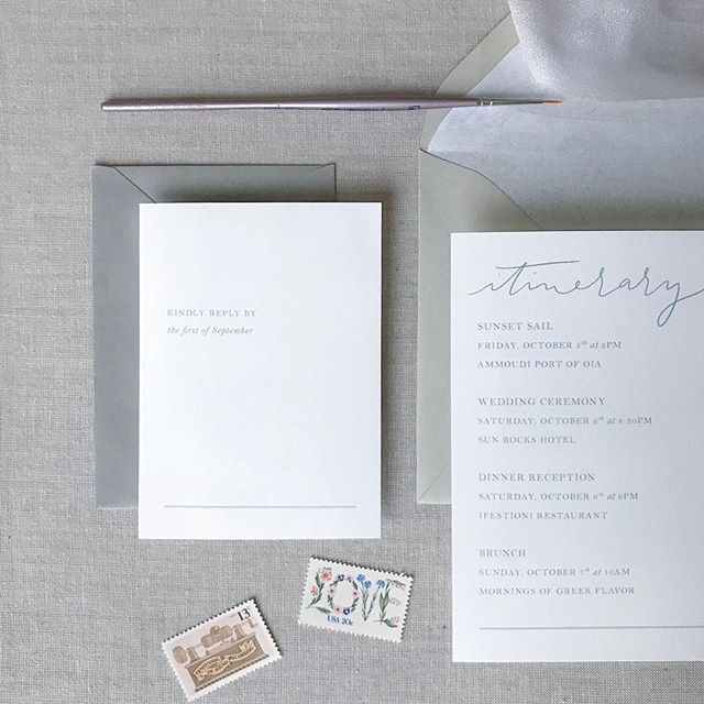 Love this minimalistic invitation!