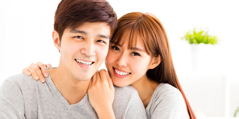 Dr. Lee at Snoqualmie Family Dentistry offers cosmetic dental services such as veneers and teeth whitening.