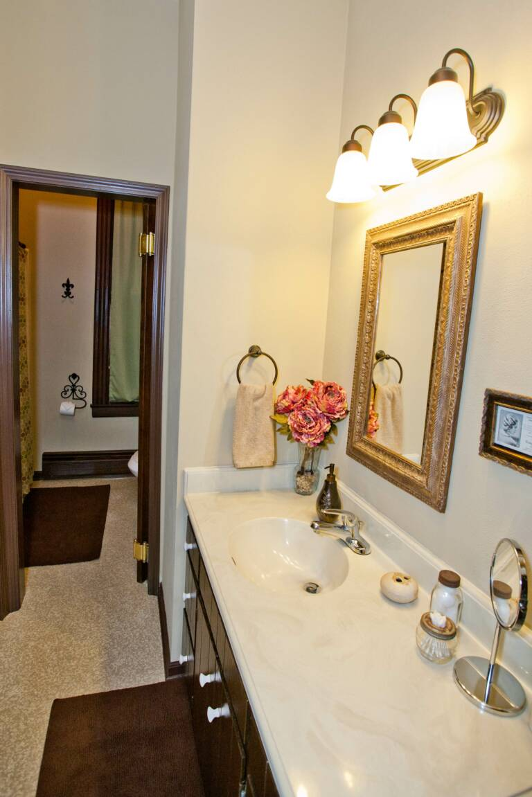 Larger main bath in Trudy Suite