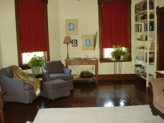 Living room in Trudy Suite