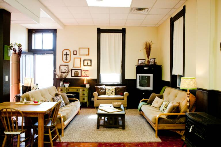 Gathering Room in Joe Suite