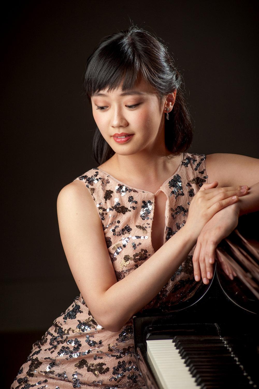 Fei Fei Dong, pianist