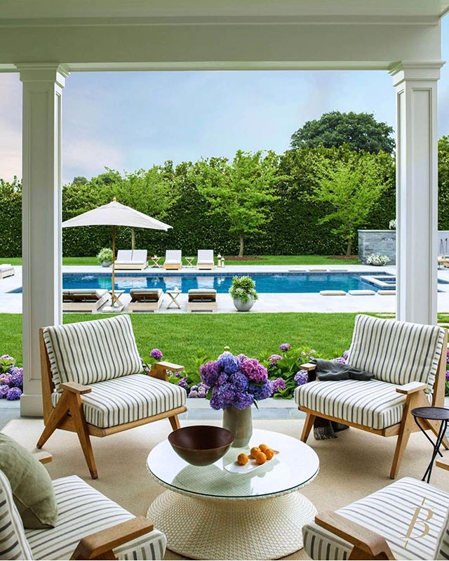 The perfect place to spend a sunny day in the Hamptons 🌿#157JobsLaneBridgehampton⠀⠀⠀ ⠀⠀ #157JobsLaneBridgehampton features serene resort environs with a heated gunite pool, spa, full pool house and sunken tennis court. ⠀⠀⠀ ⠀⠀ A gated entry leads to private sprawling hedge-lined grounds, landscaped by Hamptons Rustic Landscapes, and a long drive accessing the understatedly elegant 9,400 SF+/- home with an attached 2-car garage. The home was designed to blend a farmhouse feel with the casual urban sophistication sought by today's discerning buyer. ⠀⠀⠀ ⠀⠀⠀⠀⠀ Listed by @Bespoke.Zachary & @Bespoke.Cody and @JarretWillis.Bespoke | $15.4M⠀⠀