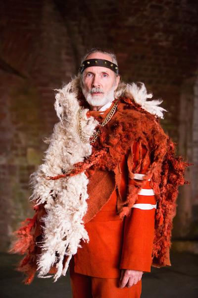 Steve Boss as Duncan