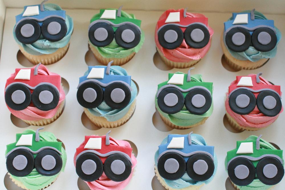 cupcakesboy05.jpg