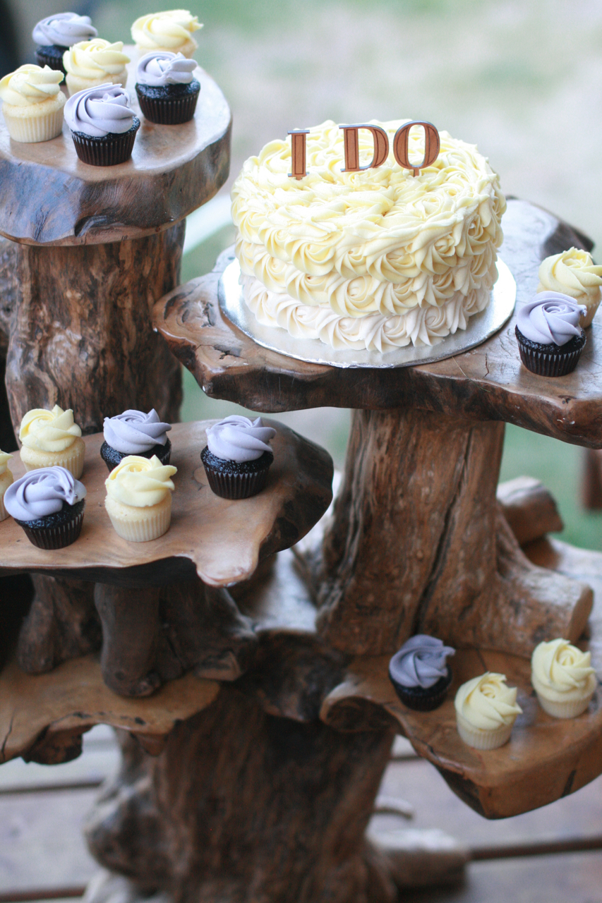 wedding cupcakes100.jpg