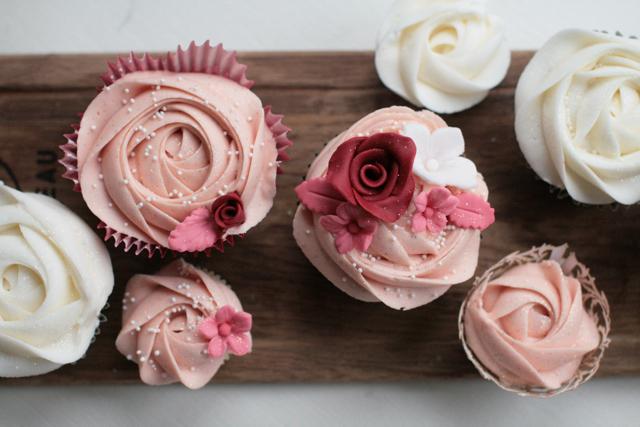 wedding cupcakes112.jpg