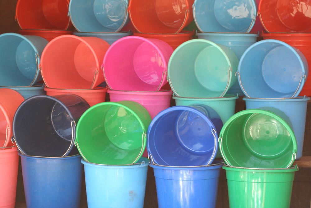 Madagascar Buckets, 2005