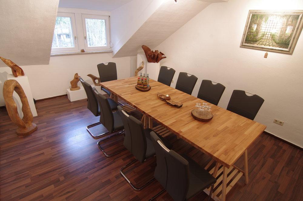 Art Room - Raumgröße: 10 PersonenAusstattung: Flipchart, Whiteboard,    Internetzugang, Moderationskoffer