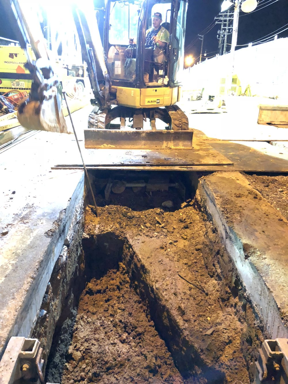 Trench excavation for conduits installation