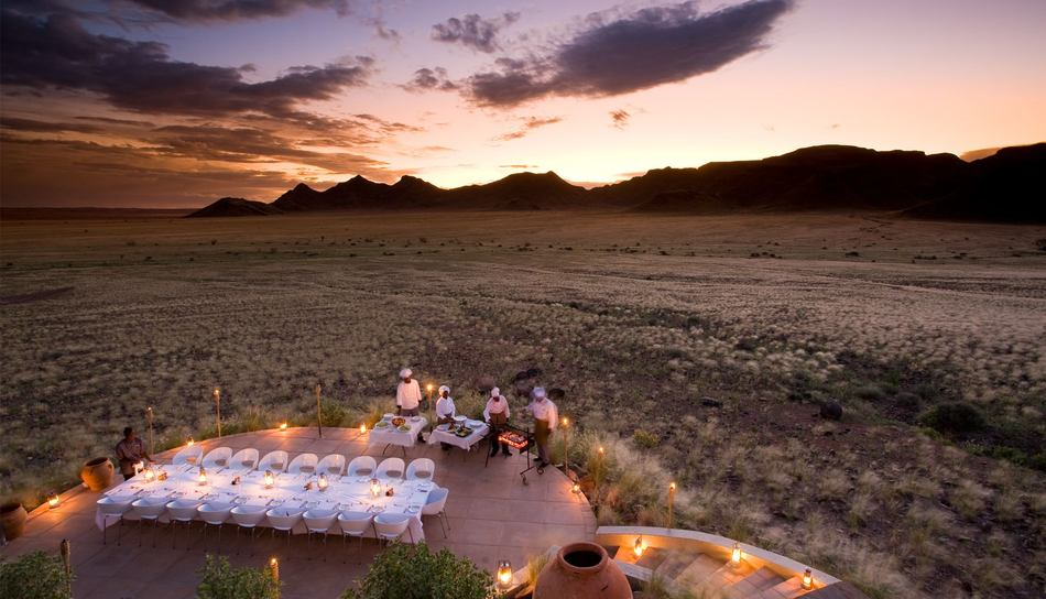 sossusvlei-desert-lodge-group-dining.jpg.950x0.jpg