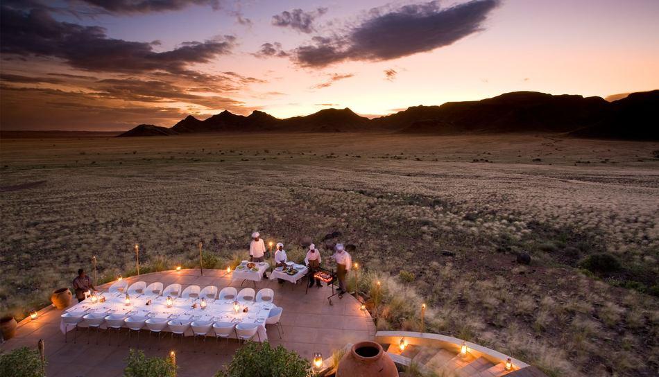 sossusvlei-desert-lodge-group-dining.jpg.950x0.jpg