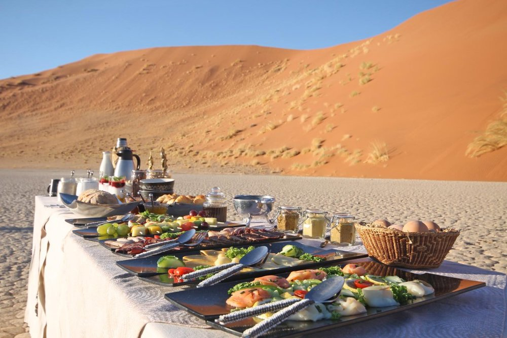 Namib-Sky-Balloon-Safaris-breakfast-1030x686.jpg
