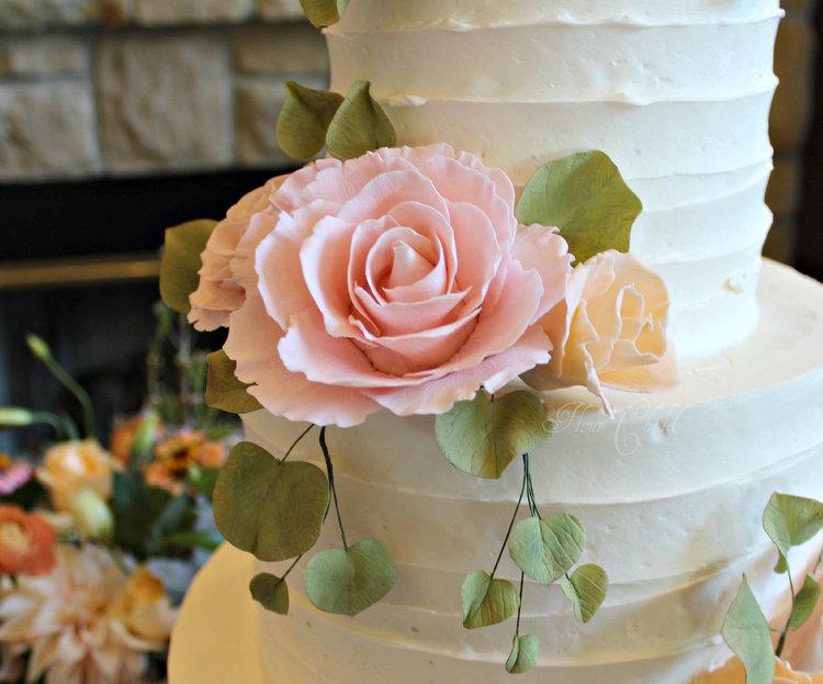 Boise wedding cakes pink and peach sugar roses g mightylinksfo