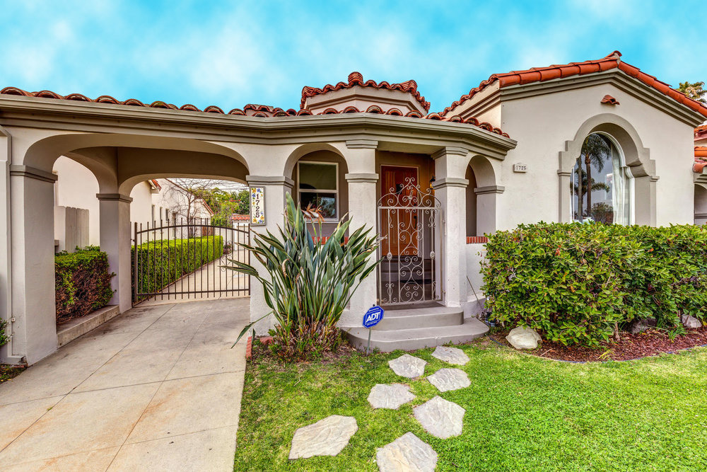 1725 S Garth Ave Los Angeles-large-004-20-ThoTif0012Upload04-1500x1000-72dpi.jpg