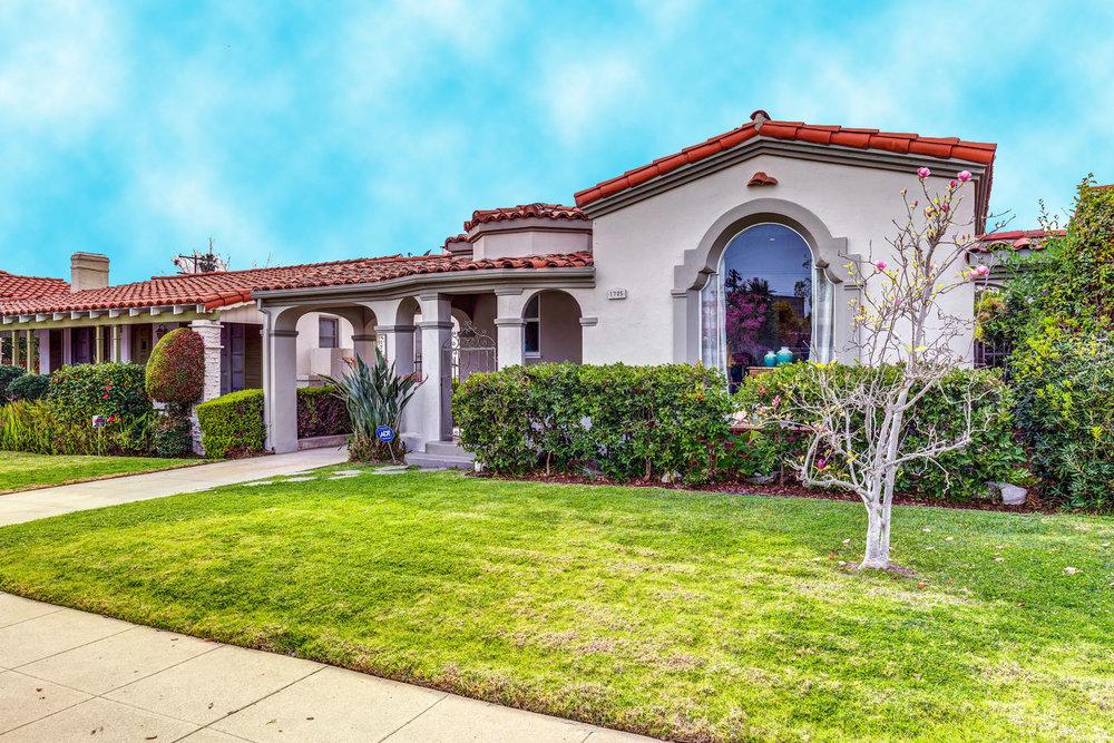 1725 S Garth Ave Los Angeles-large-003-5-ThoTif0012Upload03-1500x1000-72dpi.jpg