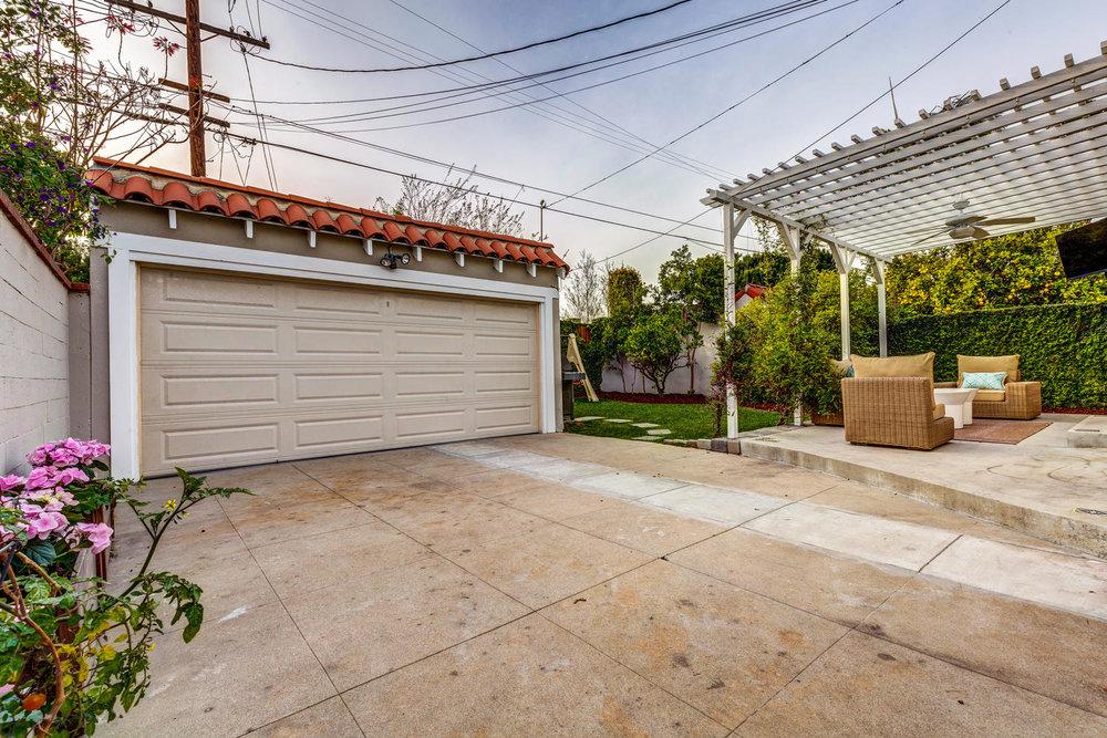 1725 S Garth Ave Los Angeles-large-026-13-ThoTif0012Upload26-1500x1000-72dpi.jpg