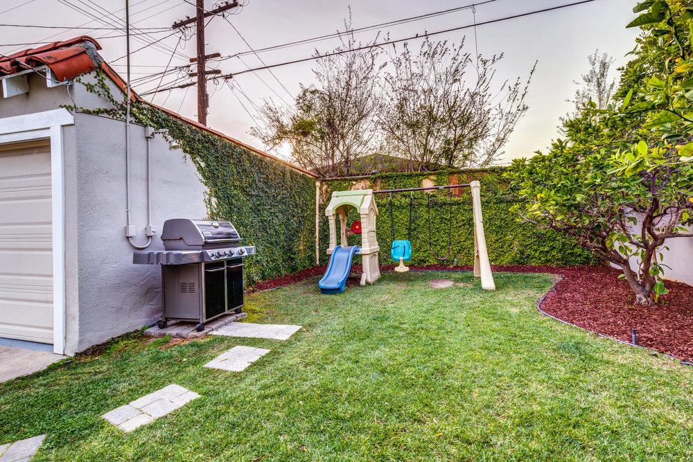1725 S Garth Ave Los Angeles-large-027-29-ThoTif0012Upload27-1500x1000-72dpi.jpg