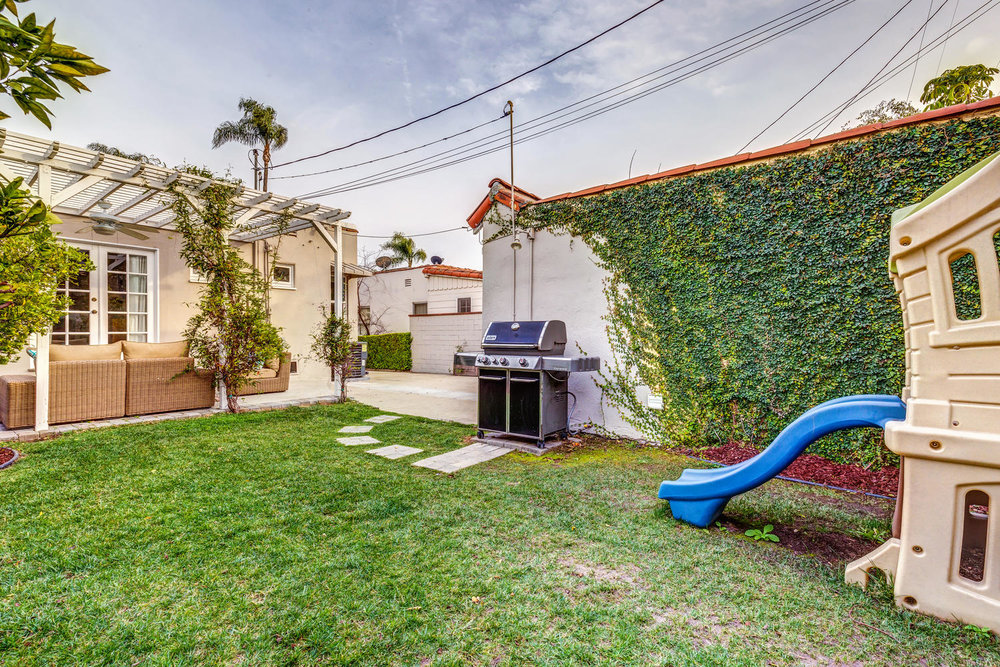 1725 S Garth Ave Los Angeles-large-028-22-ThoTif0012Upload28-1500x1000-72dpi.jpg
