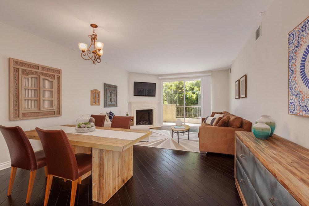 13200 Moorpark St Sherman Oaks-large-035-38-ThoTif0013bUpload08-1500x1000-72dpi.jpg
