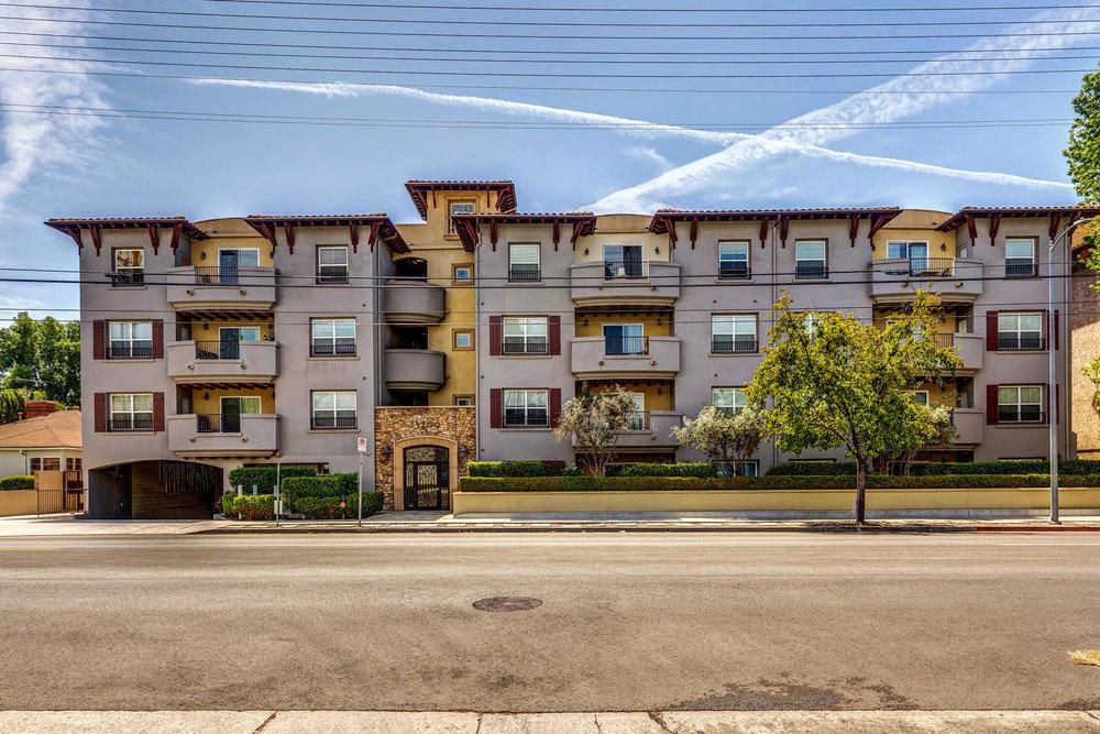 13200 Moorpark St Sherman Oaks-large-034-35-ThoTif0013bUpload10-1500x1000-72dpi.jpg