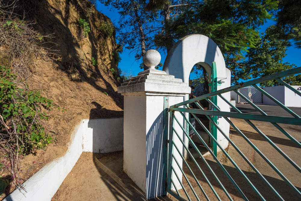 hollywood-sign-hike-los-angeles-california-208.jpg