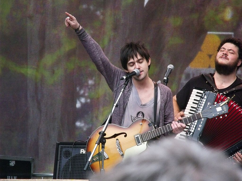 1024px-Conor_Oberst_aka_Bright_Eyes,_Hardly_Strictly_Bluegrass_2010