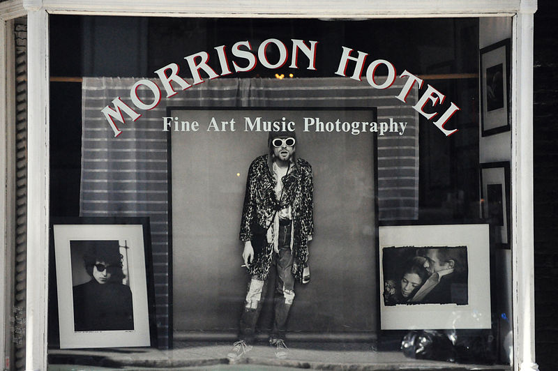 800px-MORRISON_HOTEL_(3384410034)