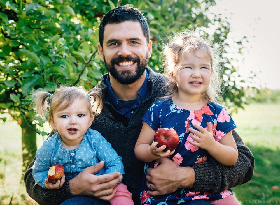 Gordon-Skagit-Farms-Mount-Vernon-Washington-Family-Session-Bella-Vita-Creative_0004.jpg