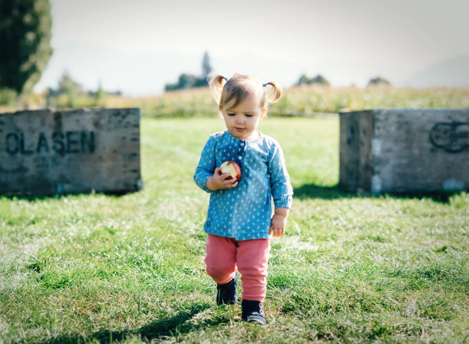 Gordon-Skagit-Farms-Mount-Vernon-Washington-Family-Session-Bella-Vita-Creative_0011.jpg
