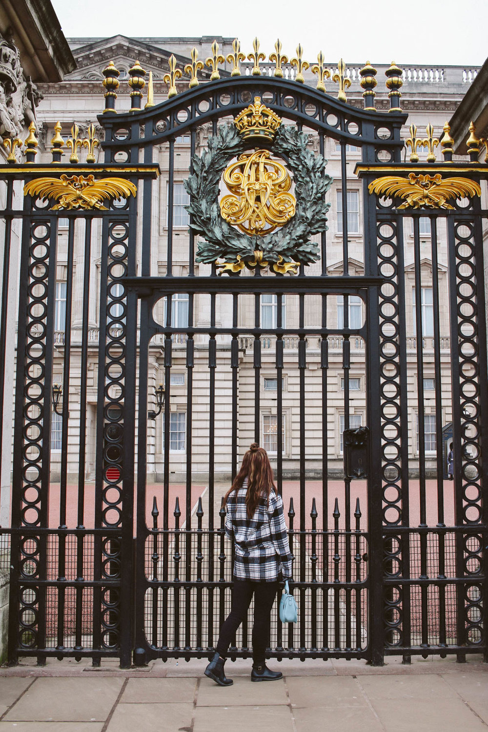 Buckingham Palace, London. Travel to London. Top things to do in London England