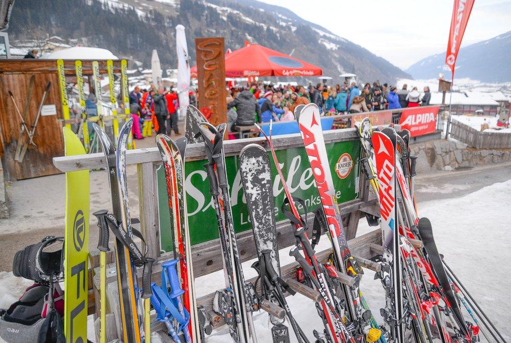 ski-3201017_1920.jpg