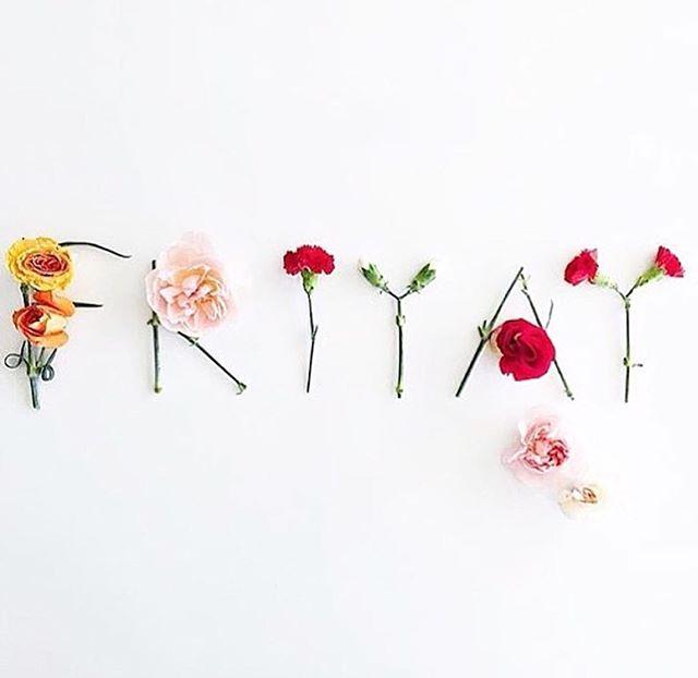 Happy Friyay! . . #friday #friyay #environment #ecofriendly #ecodesign #flowers #weekend