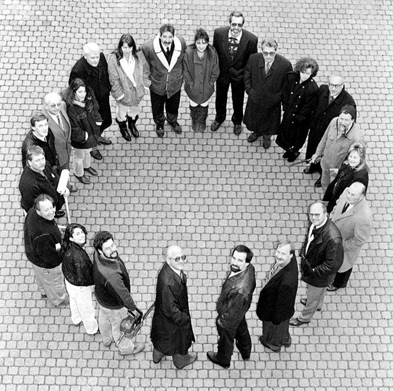 Die Treuhand Gerber Belegschaft auf einer Abbildung für einen Werbeprospekt 1995.