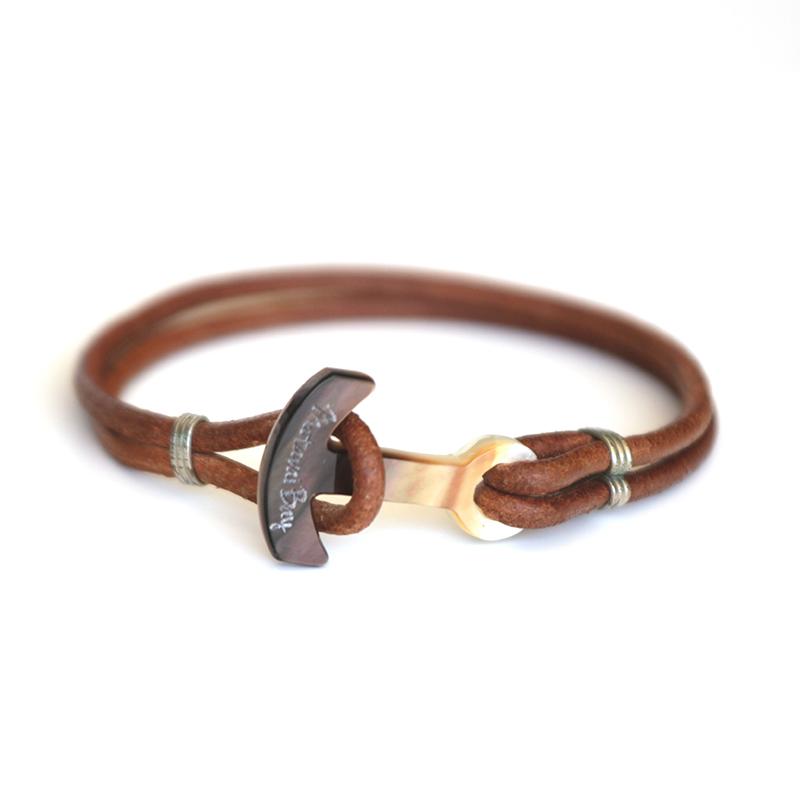 Bracelet en cuir et ancre