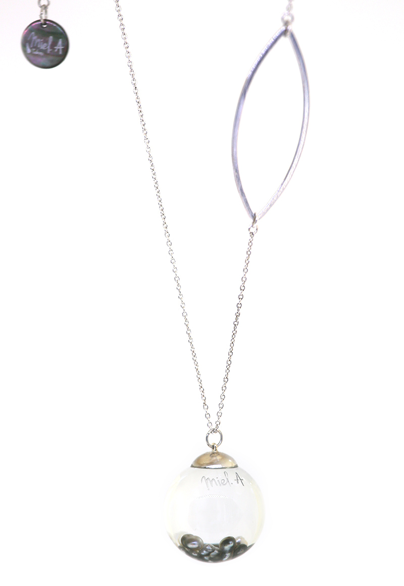 EIAO NECKLACE