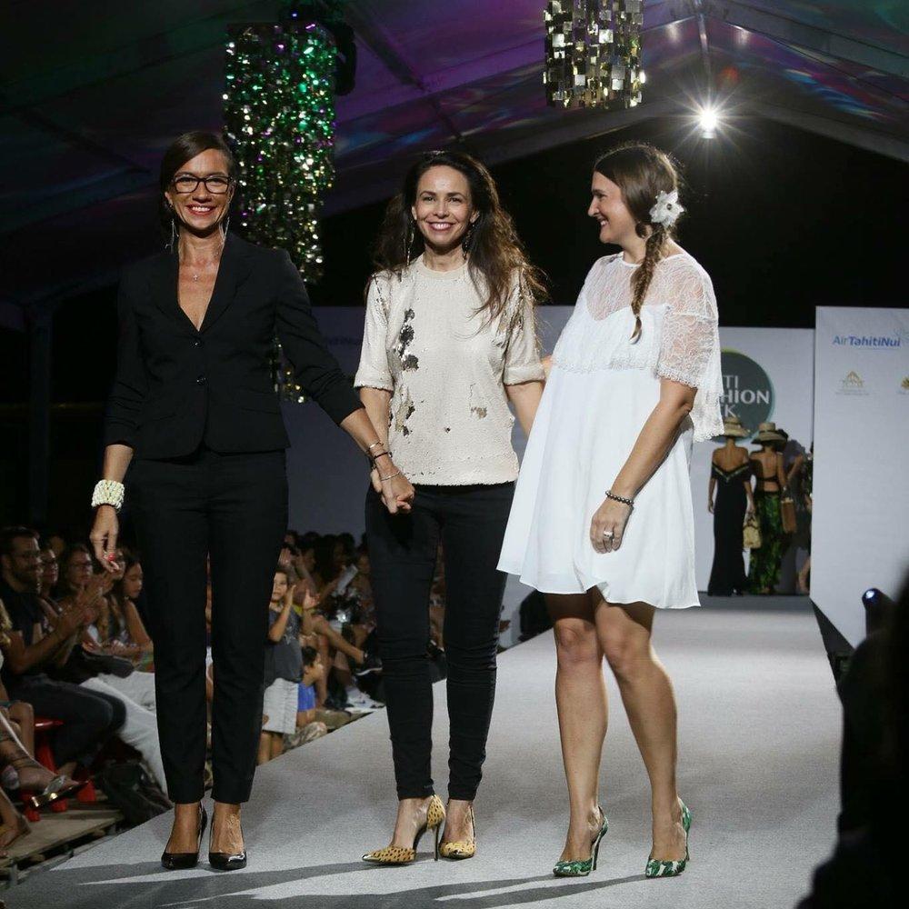 Un défilé très remarqué. De gauche à droite : Isabelle Guardia, Gaëlle Fescourt, Amélie Pons.