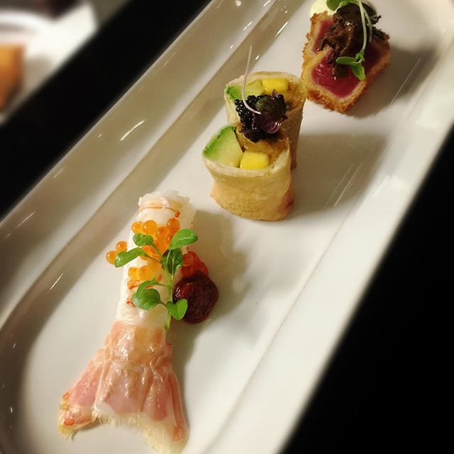 Entree Combination: 1. Scampi sashimi and salmon caviar with a touch of Hunan Chilli sauce, 2. Sea Urchin, avocado and mango Spring Roll with Caviar 3. Seared Tuna with Truffle #chinesecuisine #seafood #perthfood #perthfoodie #perthblogger #artistic #andlyprivatekitchen