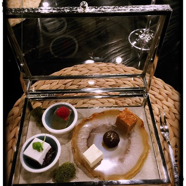 Assorted desserts inside the jewel box #andlyprivatekitchen #perthfood #perthfoodie #perthblogger #dessert #degustation #chinesecuisine #delicious #yummy #artistic