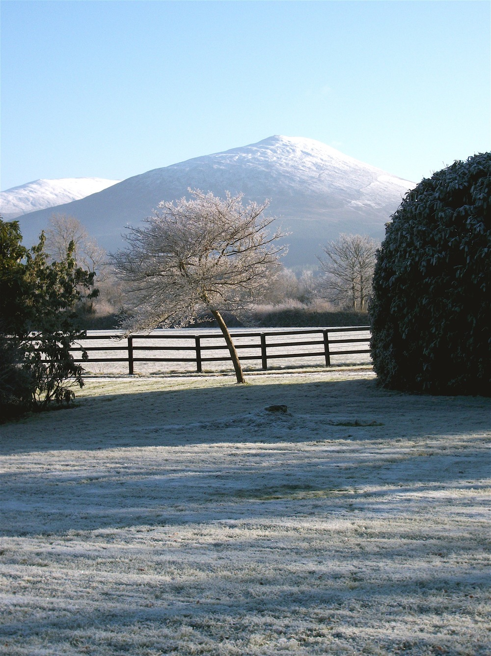 Snow view to Tipperary Hills.jpg