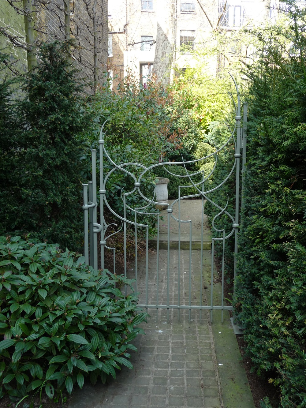Ambrose Burne Gate.jpg