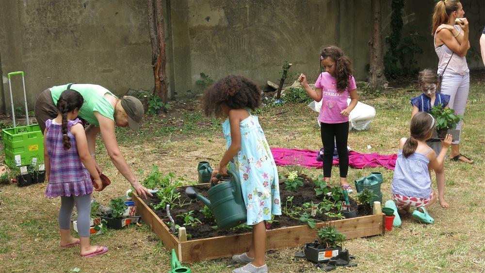 Children planting 1.jpg