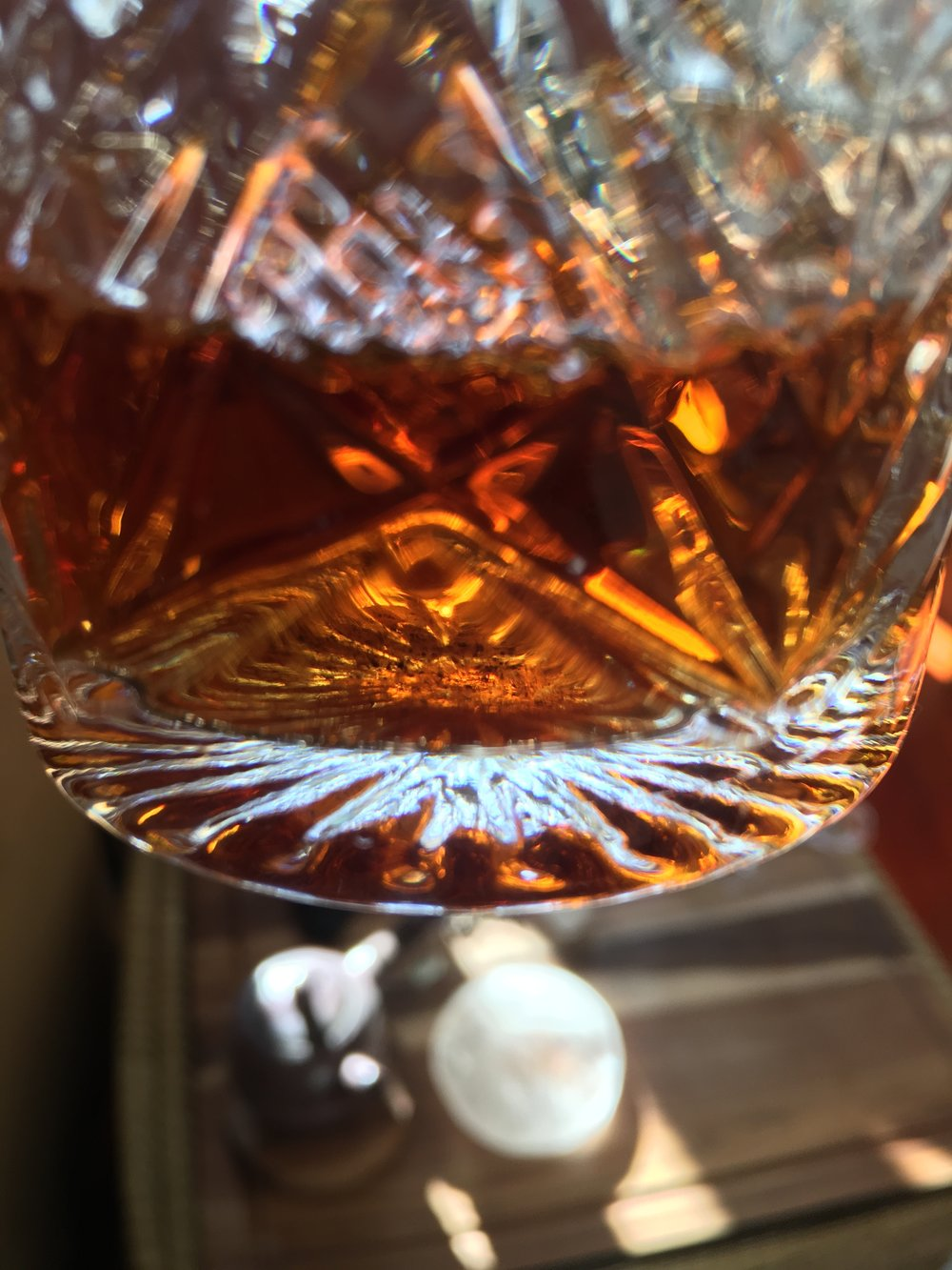 - Drinking this tea from a glass cup allows you to enjoy the bright golden-amber tea liquor.