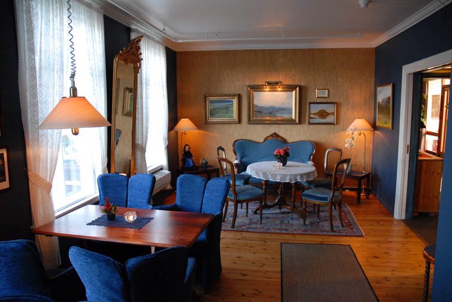 leikangerfjordhotell_salong_fotojaneriklie.jpg