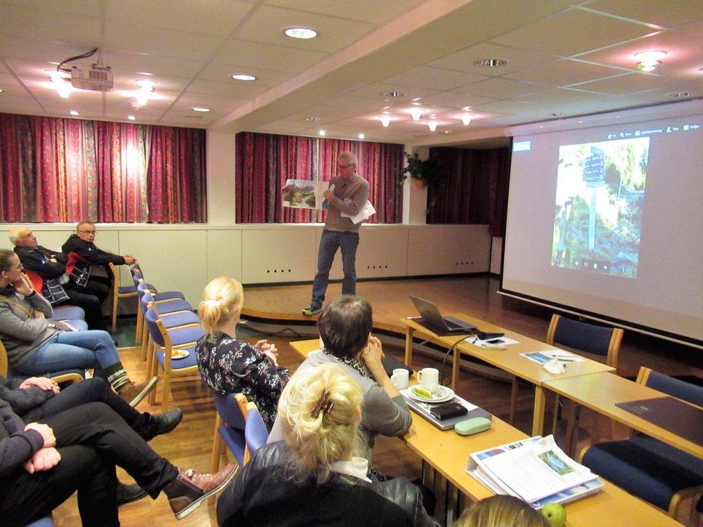 Sti-entusiast Odd Arve Rakstad gav oss ei orientering om kva som er gjort i Leikanger-fjella dei siste åra.