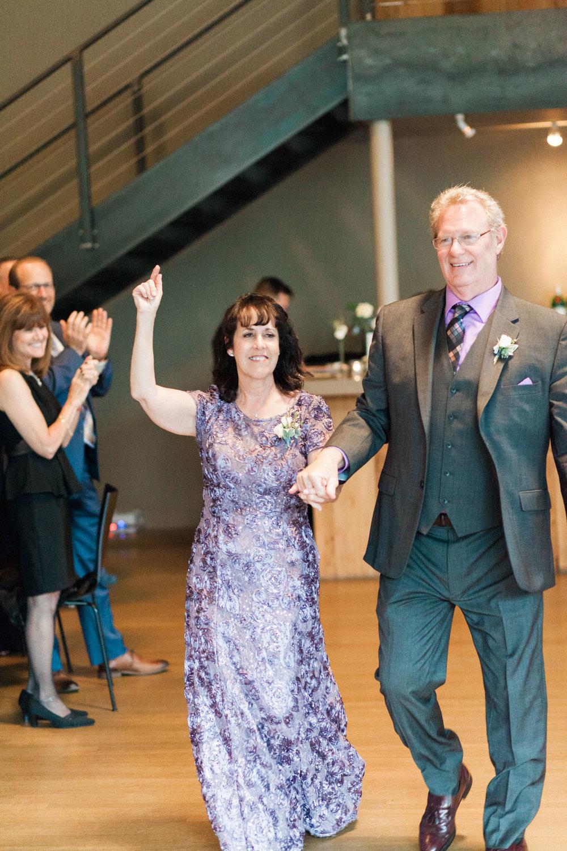 HiloandGinger-Brian+Dina_Weddingday_SneakPeek-45.jpg